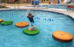 Hotel Aqua Resort swimming pool play